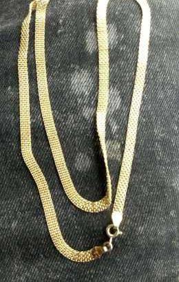 Carpet Gold Chains