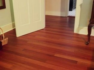 WOODEN LAMINATE FLOOR