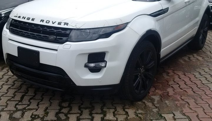 Brand New 2015 Range Rover Evoque Dynamic