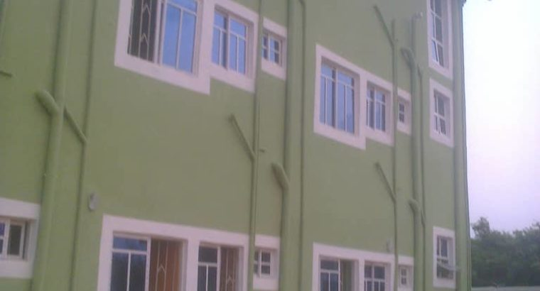 24 rooms self contains hostel ard school area for sale