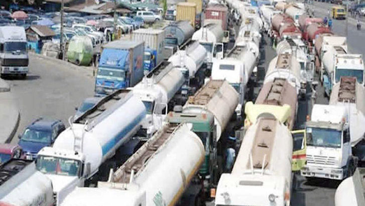 Trucks to be removed from all roads in Apapa – FG