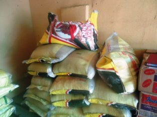 BUY YOUR BAGS OF RICE AND BEANS 5OKG/25KG AND OIL