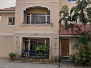4bedroom terrace house all room en suit with bq.
