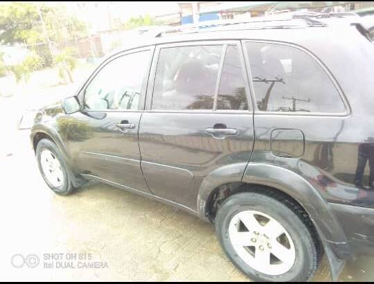RAV4 2005 CLEAN, PRIVATELY USED. JUST BUY N DRIVE