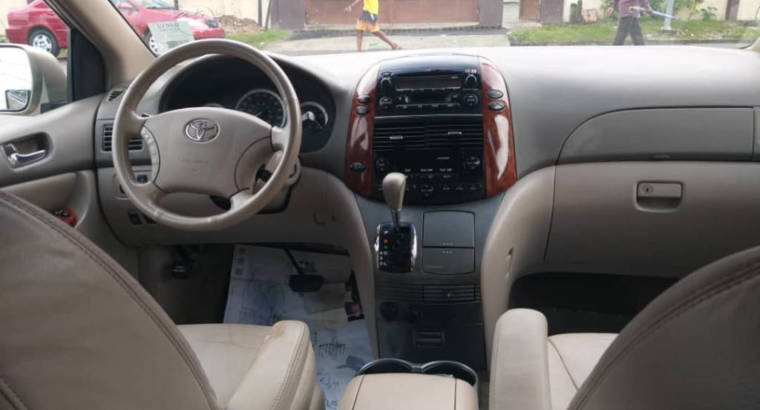 Toyota Seinna for sale 2005