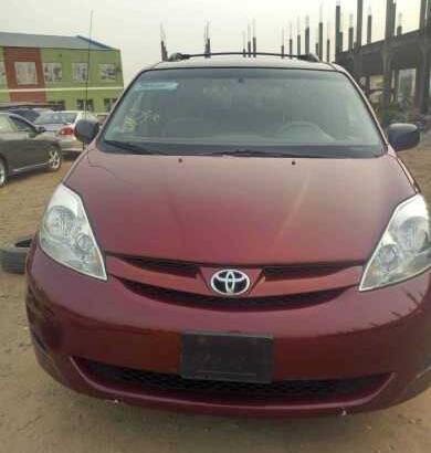 Toyota sianna